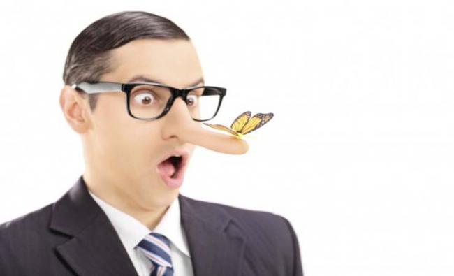 millonario mentiroso que invierte su dinero en forex trading